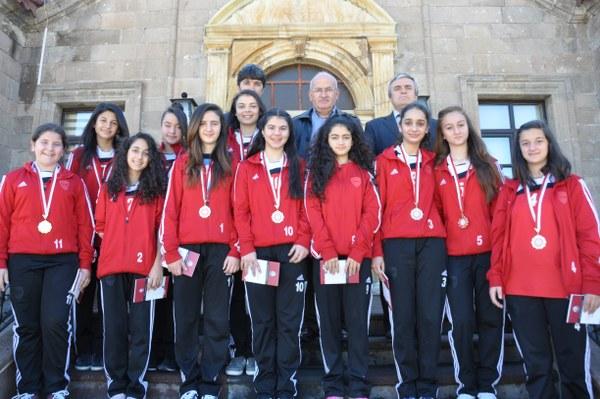 Türkiye Yarı Finalisti Futsal Takımından Belediyeye
