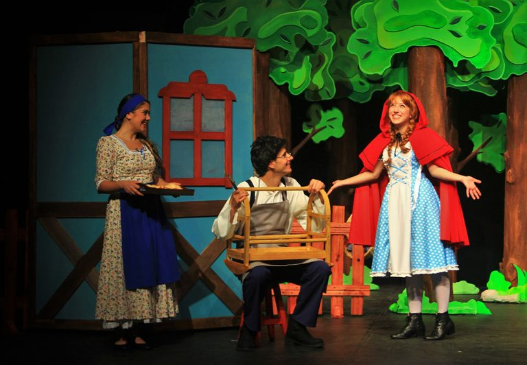 ETİ Çocuk Tiyatrosu Kırmızı Başlıklı Kız ile Ürgüp'te