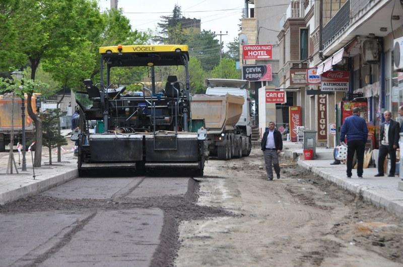 Sıcak Asfalt çalışmaları Mehmet Akif Ersoy Bulvarında
