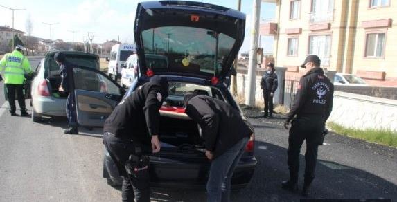 Ürgüp Emniyeti tarafından Aranan 2 Şahıs Yakalandı