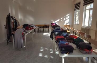 Gel Giy Git Projesi ile İhtiyacı olan kişilere ulaştılar