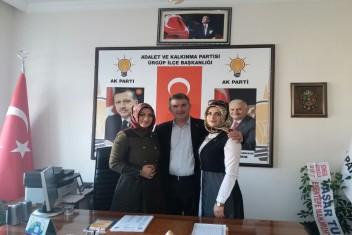 Yeni dönemde Partinin ilk üyeleri Özerin kızları