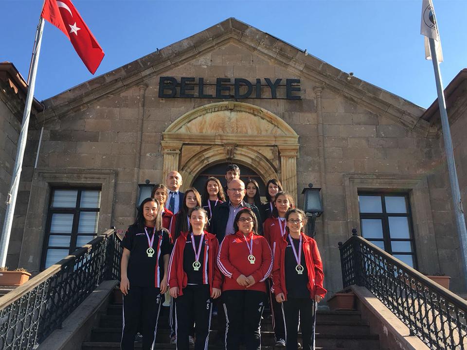 Futsal İl Birincisi Takımdan Yıldız'a Ziyaret
