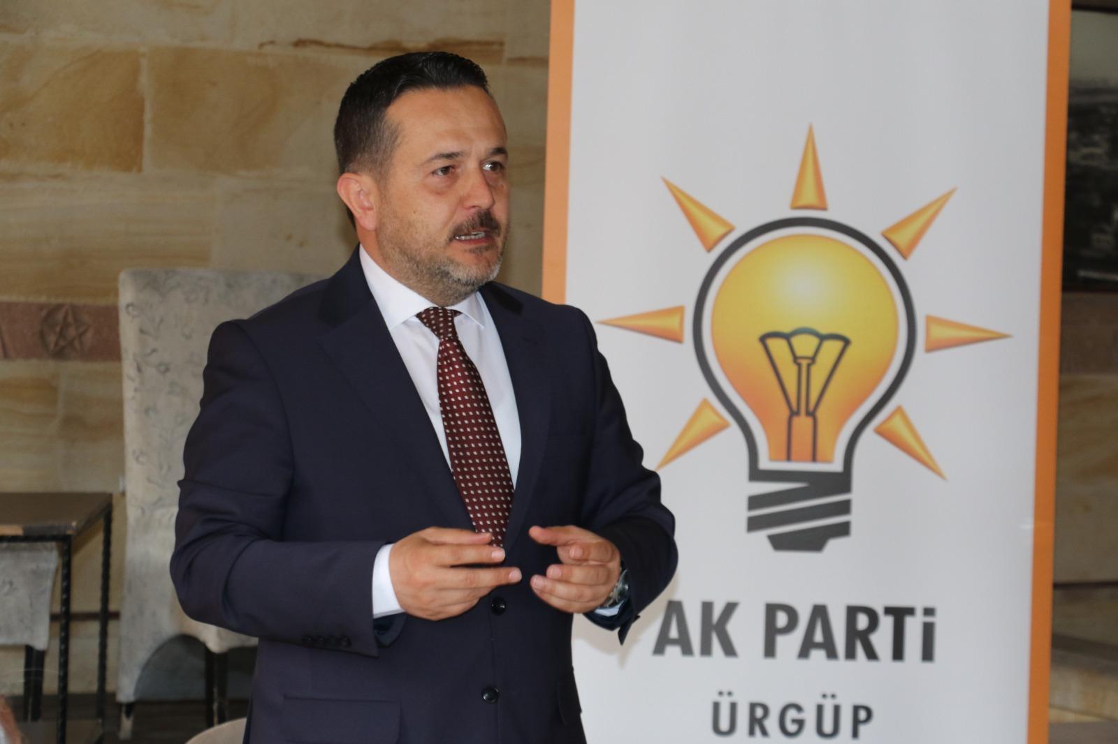 AK Parti İlçe Başkanı Oğuz Kahraman Köy Muhtarlarıyla Bir Araya Geldi
