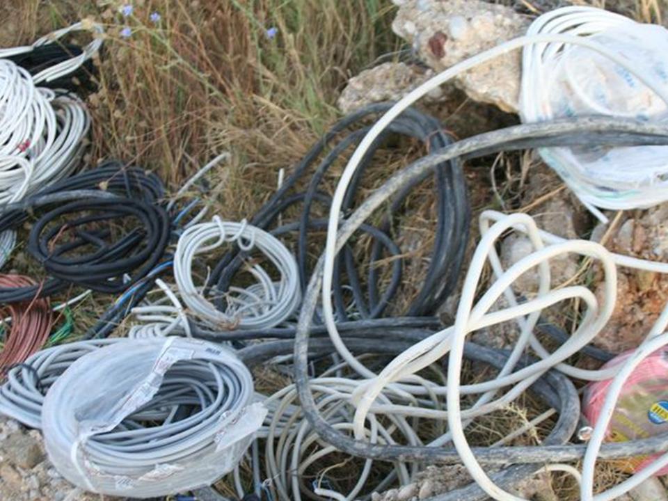 Kablo hırsızlığı yapan şahsa işlem yapıldı