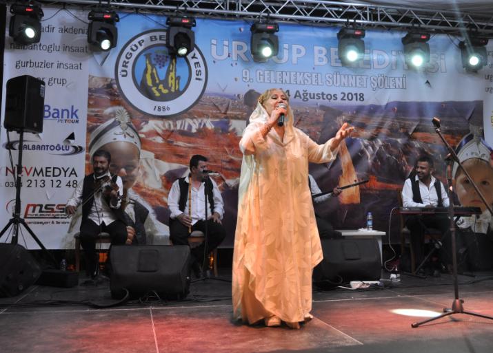 Ürgüp'te Bedia Akartürk Konseri