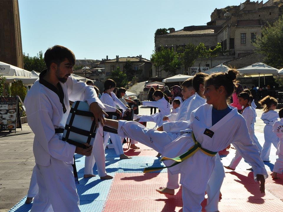Ürgüp Cumhuriyet Meydanında Taekwondo