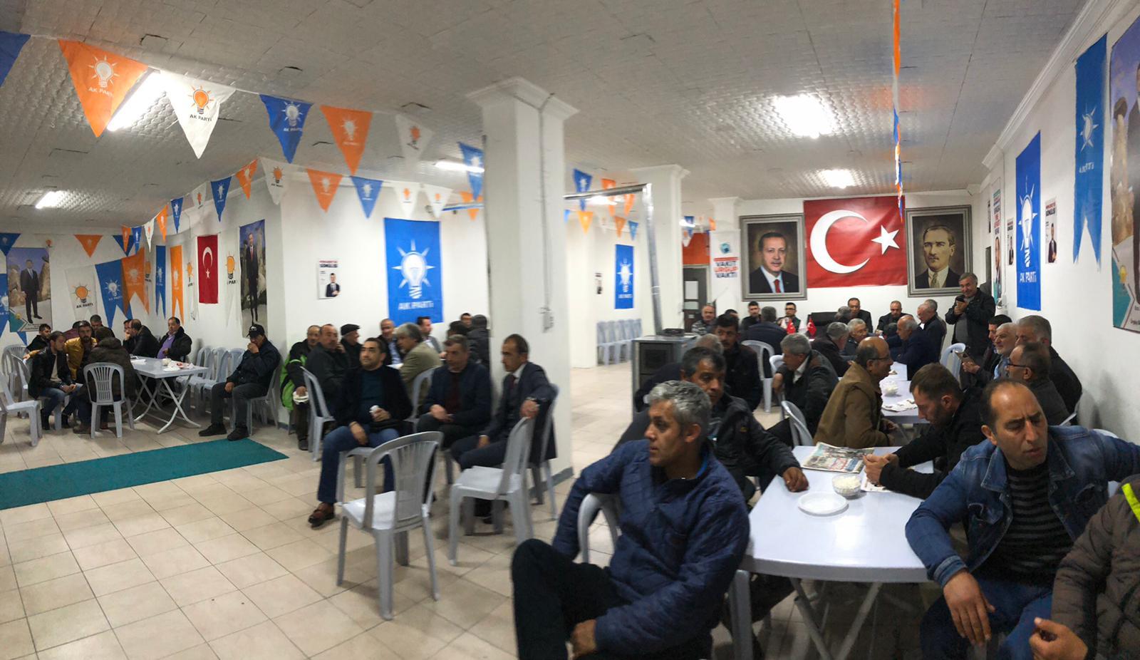 Ürgüp'te AK Parti Seçim Ofisine yoğun ilgi