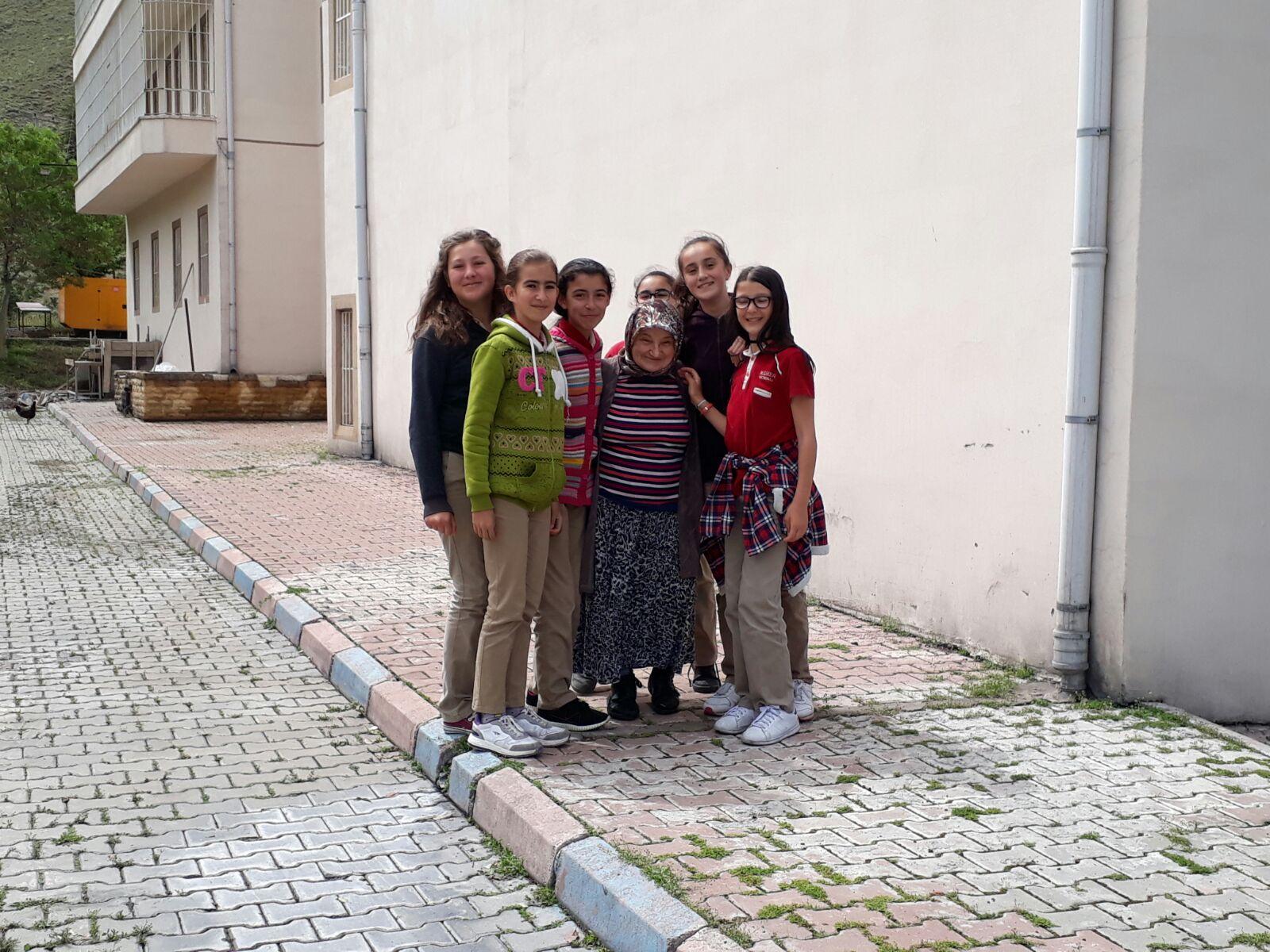 Mehmet Diker Öğrencileri Rehabilitasyon Merkezini Ziyaret etti