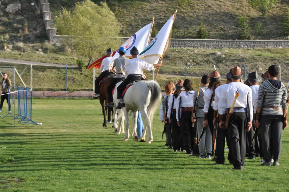 Ertuğrul'un Torunları 23 Nisan Gösterisi için Hazır