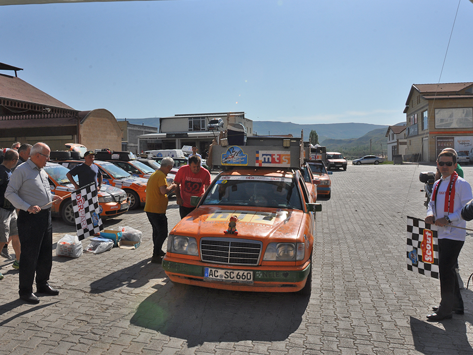 Orient Rallye Ürgüp etabının startı verildi